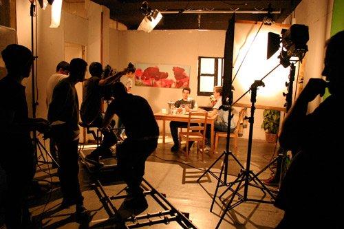 Estudia Director de Fotografía cinematográfico y audiovisual en la Escuela de Cine y TV Septima Ars Madrid - España