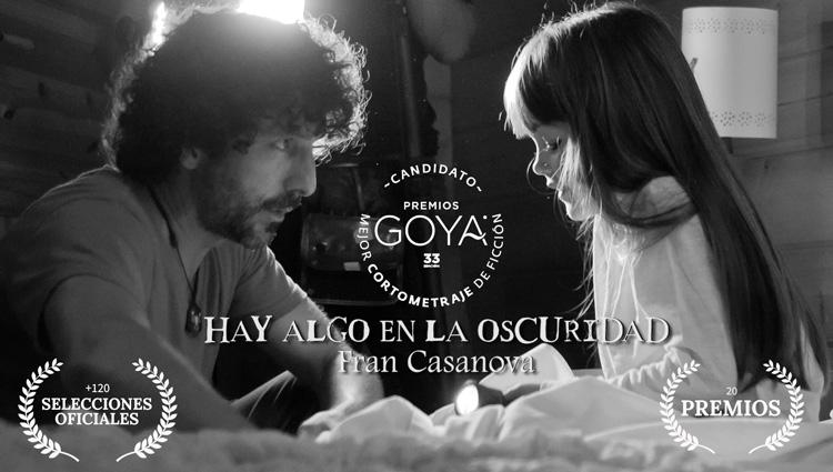 Cortometraje Hay algo en la Oscuridad dirigido por Fran Casanova y coproducido por la Escuela de Cine Septima Ars