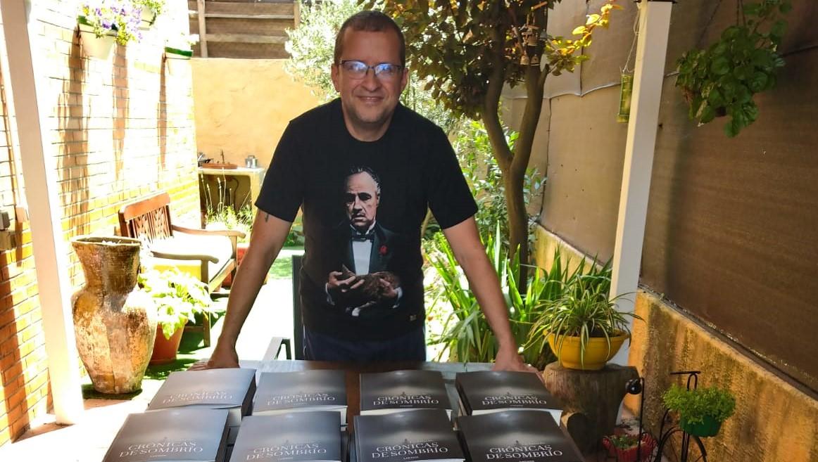 Javier López Campillo estudió en la Escuela de Cine Septima Ars